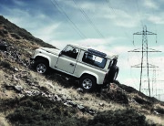 Land Rover Defender Catalogue Brochure, 2010 page 9